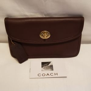 🦋Vintage Coach Mahogany Brown Turnlock Case🦋